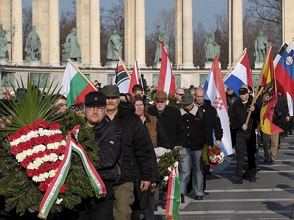 Neonacisti v Budimpešti