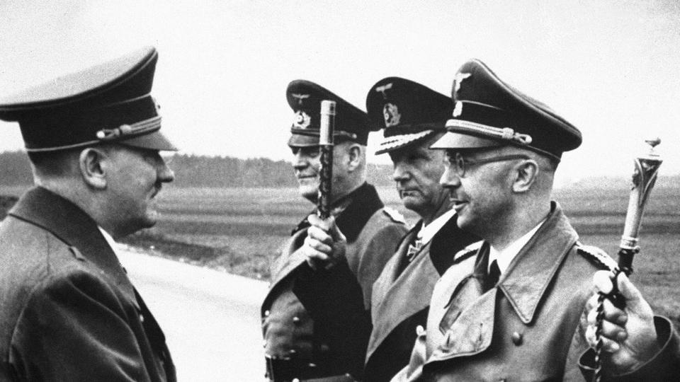 Hitler z voditelji SS-a