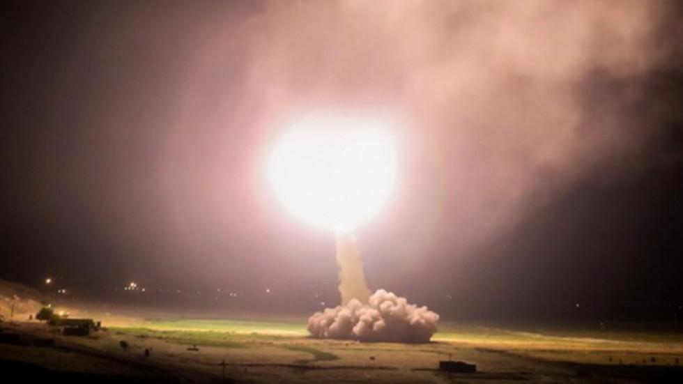Vzlet iranske balistične rakete proti Iraku