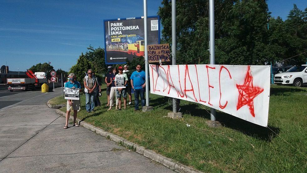 Demonstranti proti Pahorju