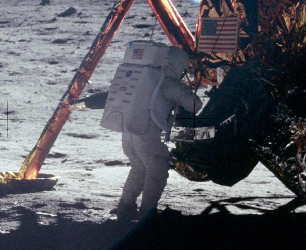 Pristanek na luni - Apollo