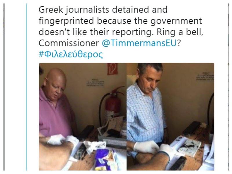 Jemanje prstnih odtisov grškima novinarjema