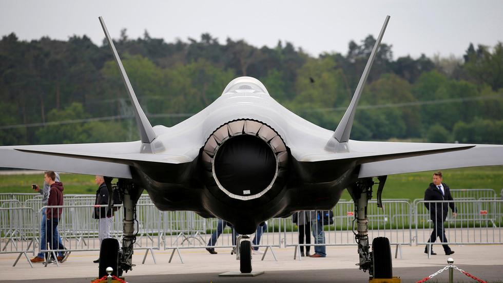 F-35 Vir:RT