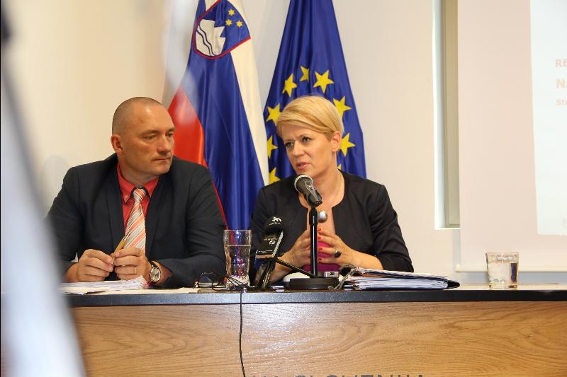 Ministrica Aleksandra Pivec