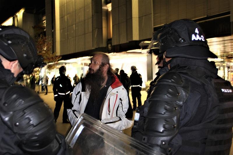 Policija popisuje Kolarič Luko