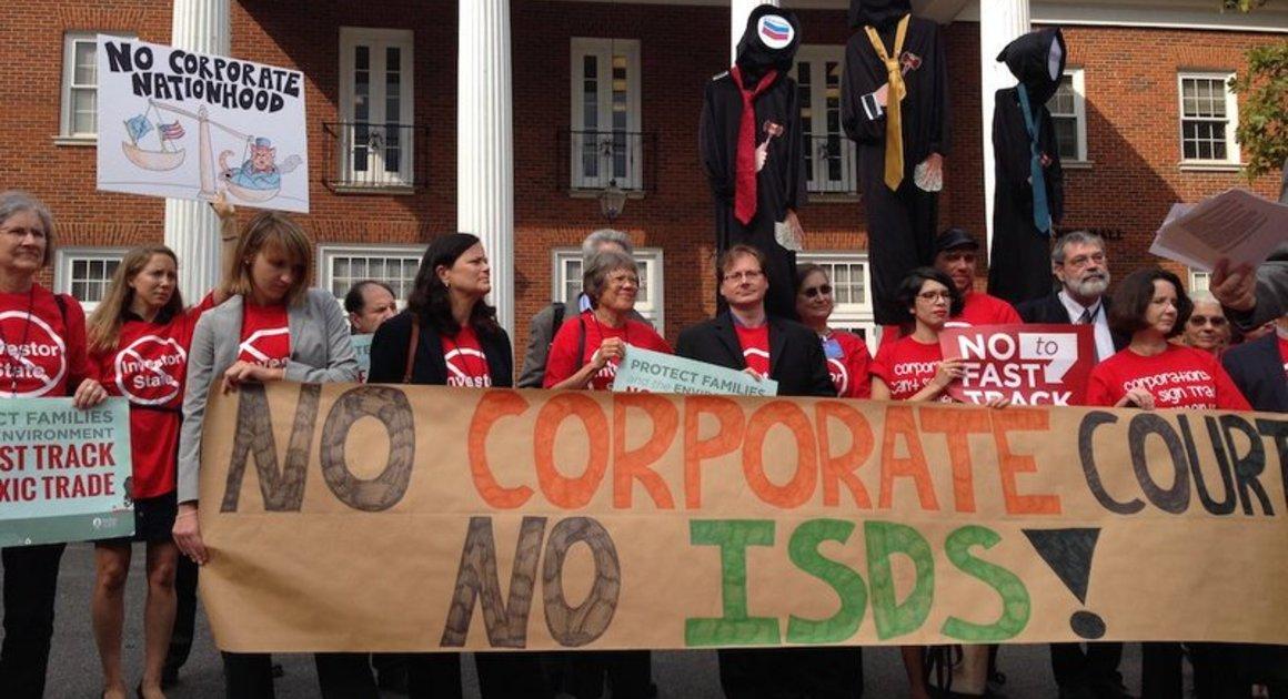 ISDS - demonstracije proti  Vir: PSI