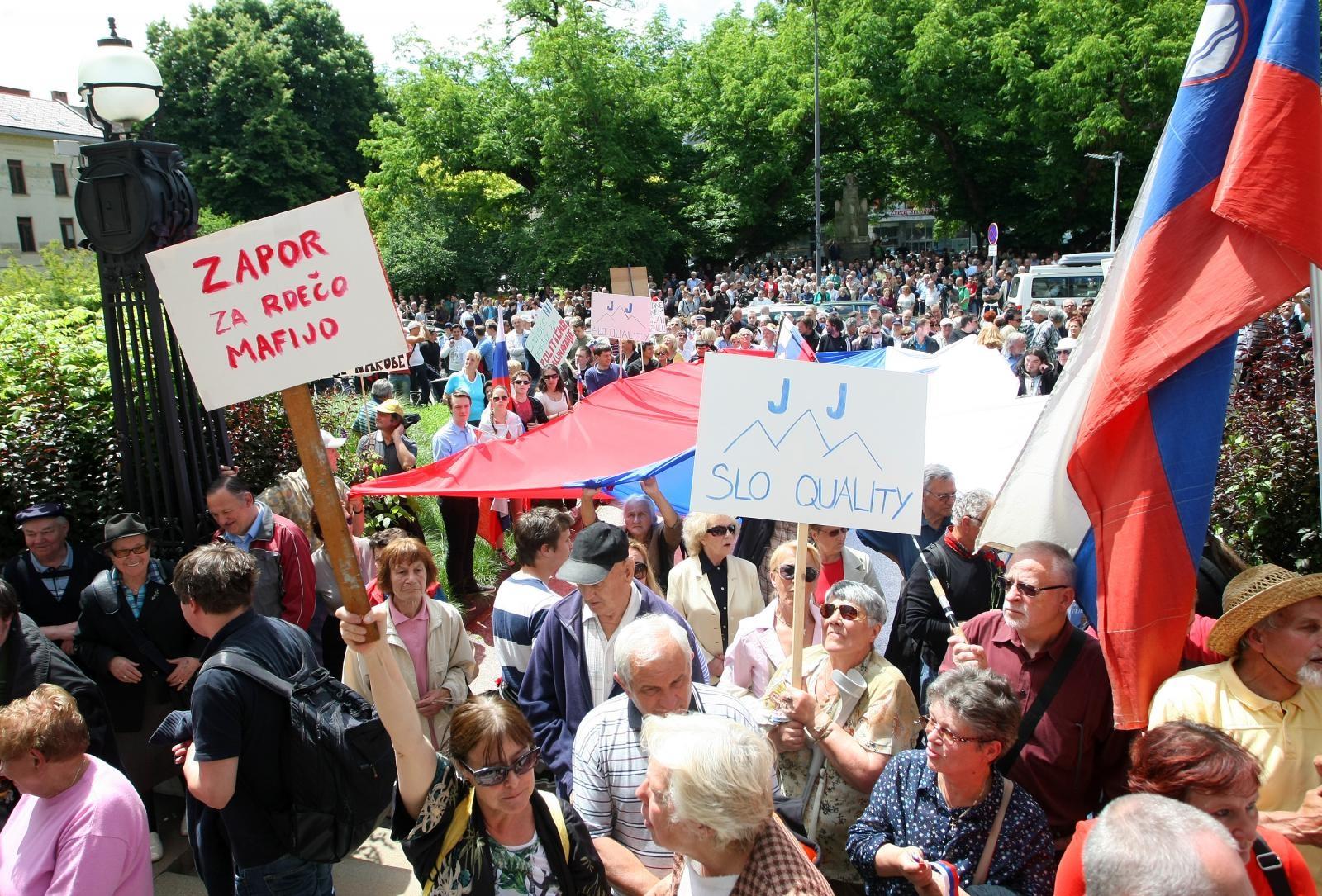 Demonstracije v podporo Janši, proti sodiščem