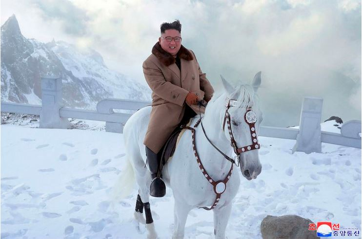 Kim Jong-un na konju. Vir: Twitter