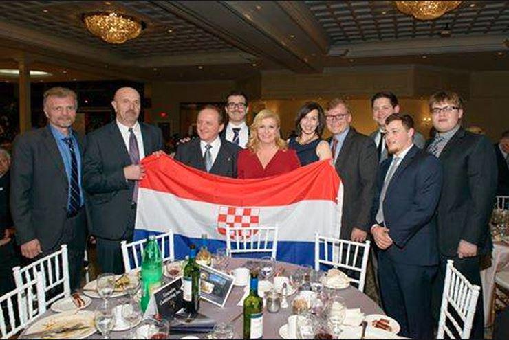 Hrvaška predsednica Kolinda Grabnar Kitarović in ustaška zastava