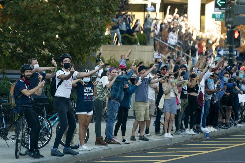 Demonstranti proti Trumpu pred Belo hišo Vir:Twitter