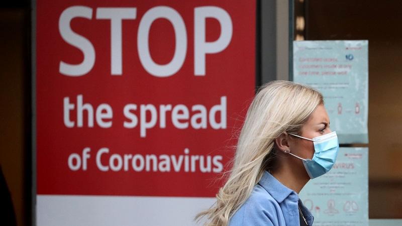 Ustavite širitev kotronavirusa - napis iz Velike Britanije Vir: Sky News, posnetek zasliona