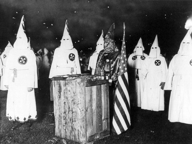 Najbolj znana krščanska teroristična organizacija je ameriški Ku Klux Klan.