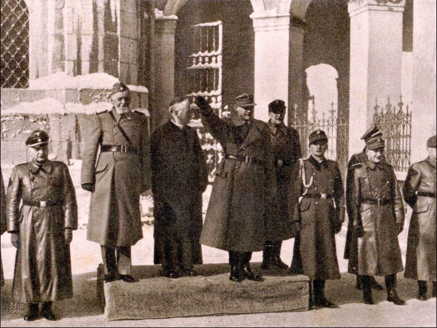 Leon Rupnik, škof Gregorij Rožman in SS general Erwin Rosner, ob drugi domobranski prisegi Hitlerju in SS-u, 30.1.1945.