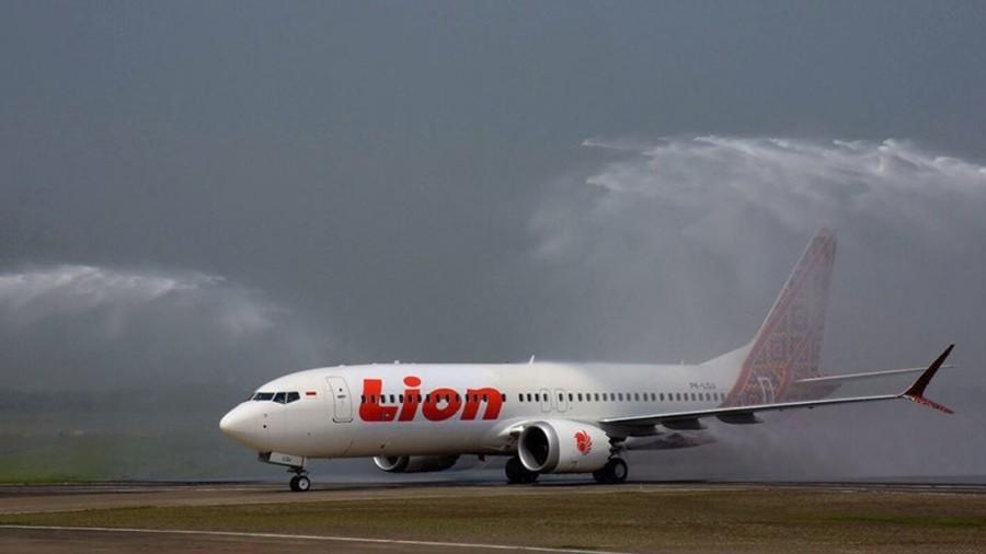 Boeing 373 družbe Lion Vir:RT