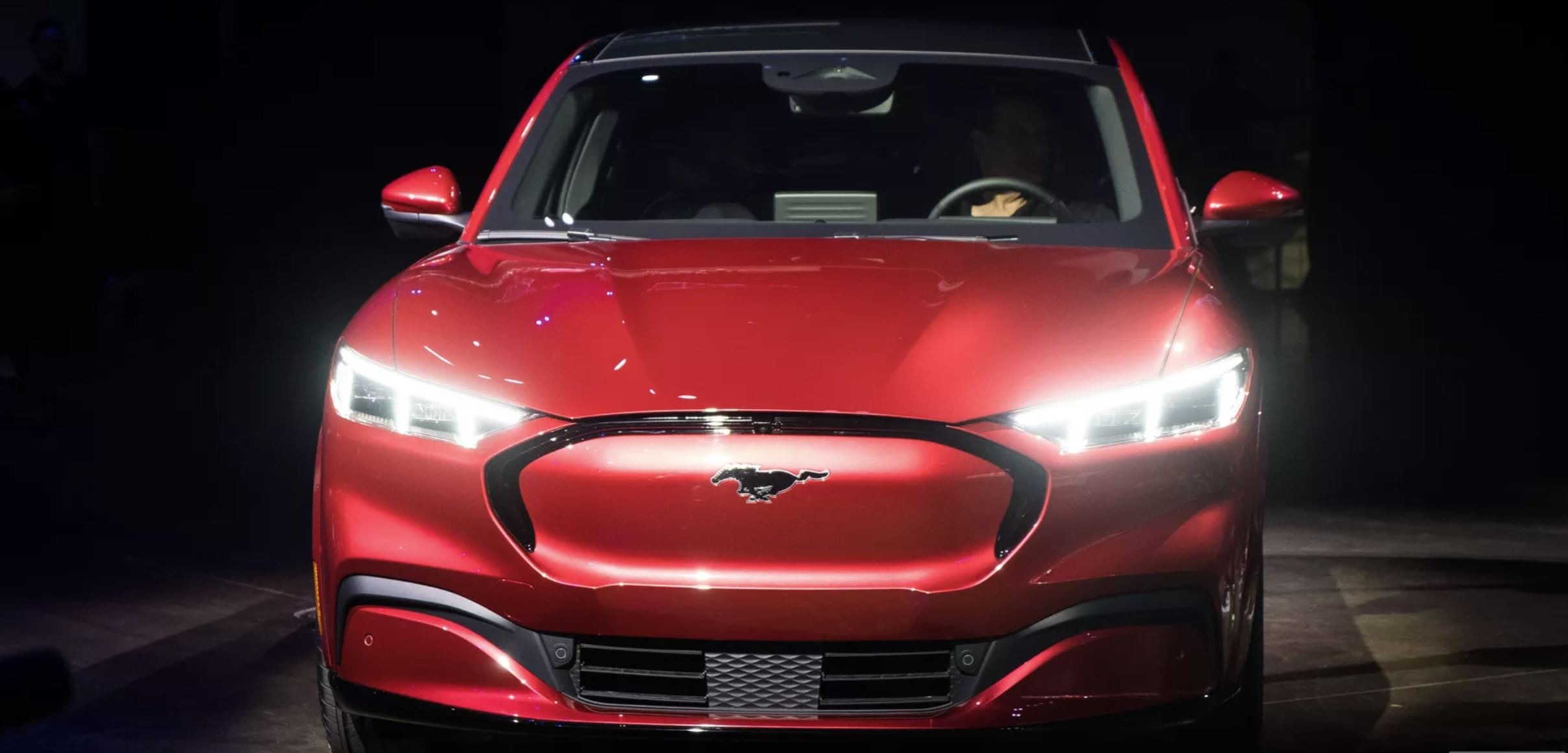 Ford Mach E - spredaj
