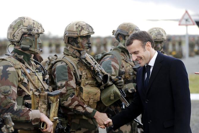 Macron in francoski vojaki Vir: Twitter