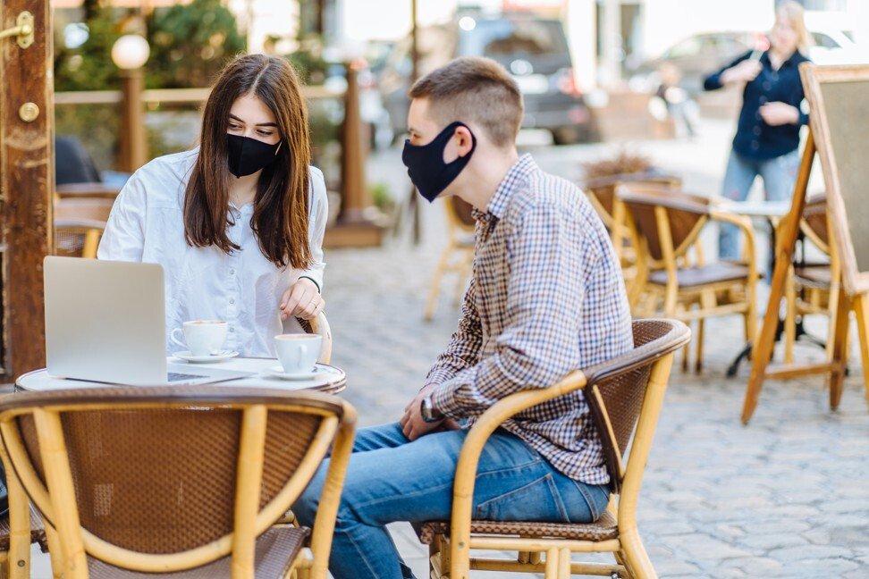 Maske v restavraciji