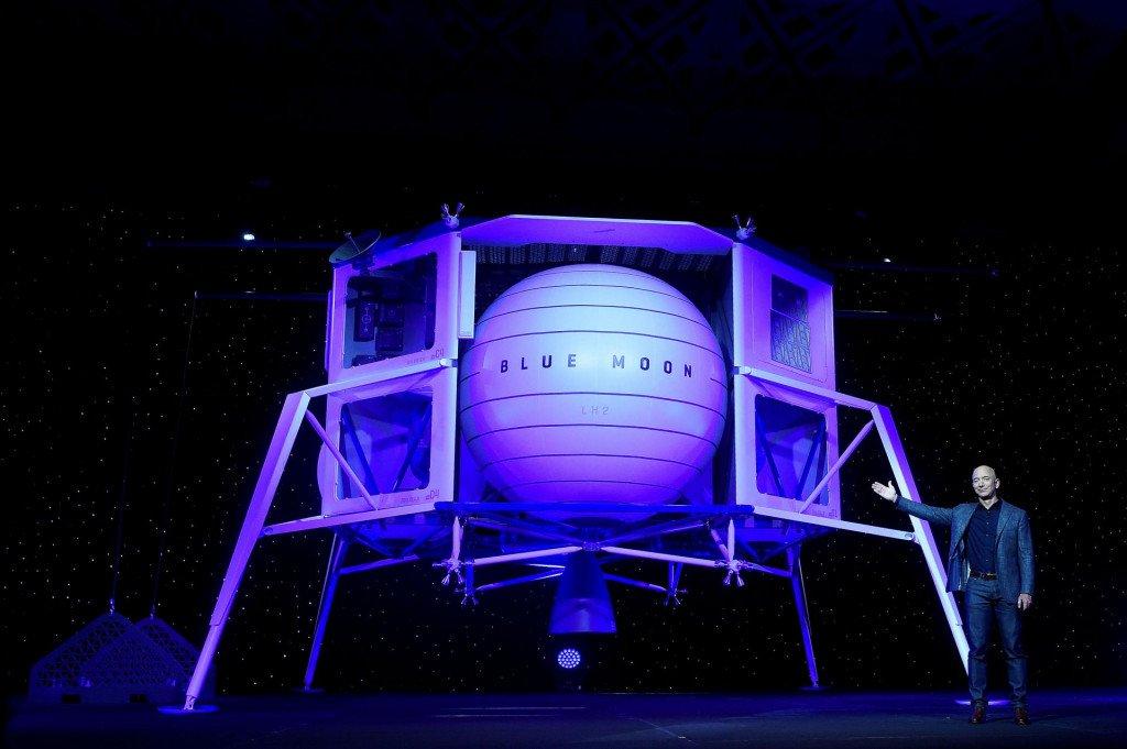 Modri Mesec - Jeff Bezos