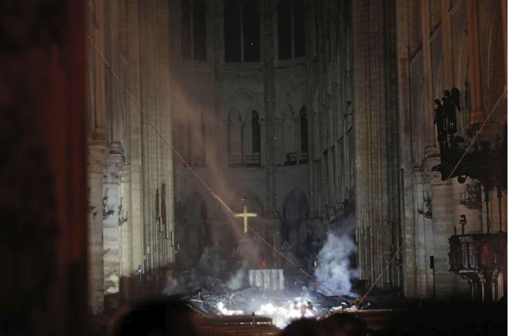 Notre Dame, po požaru, notranjost Vir:Twitter