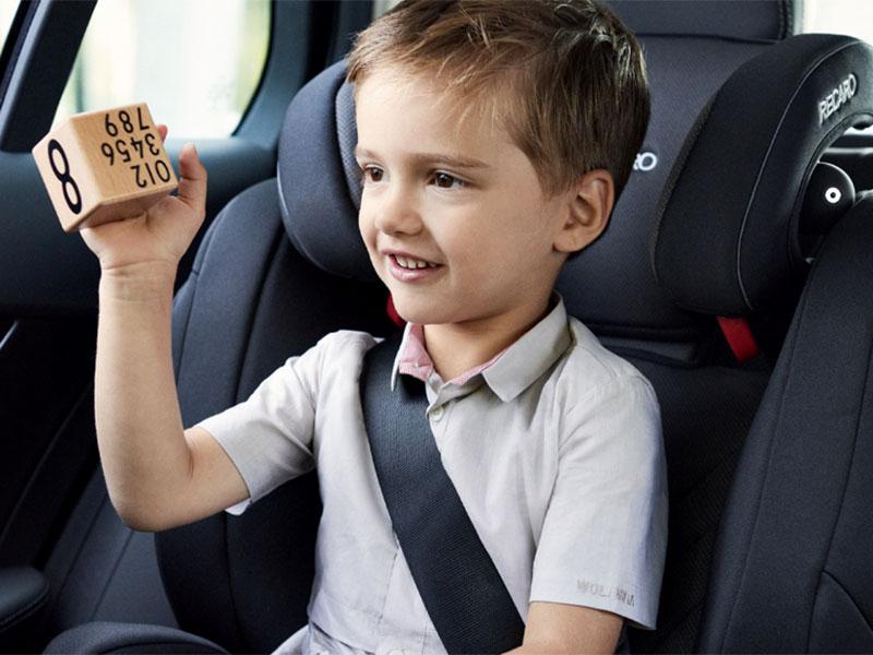 Varnostni pas, otrok v avtu