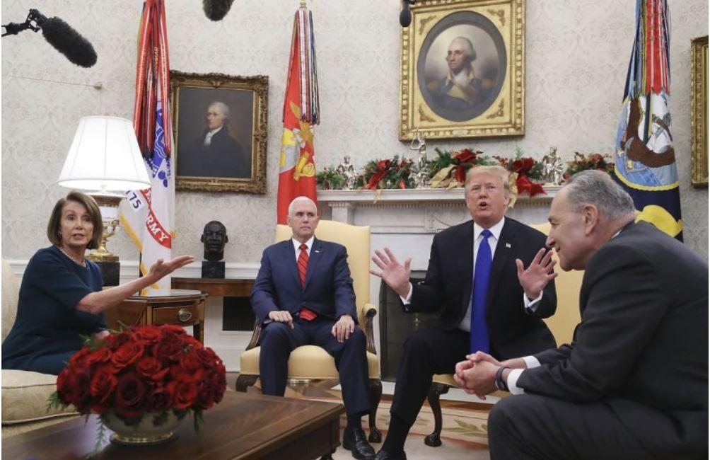 Trump in Pelosi Vir:Pixsell