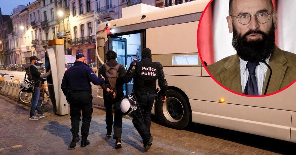 Polic isti so na prizorišču na naslovu Rue des pierres 1 ujeli 20 nagih moških, nekatere celo med seksom. Vir: Twitter