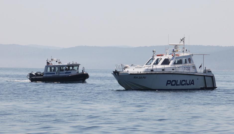 Slovenski in hrvaški čoln