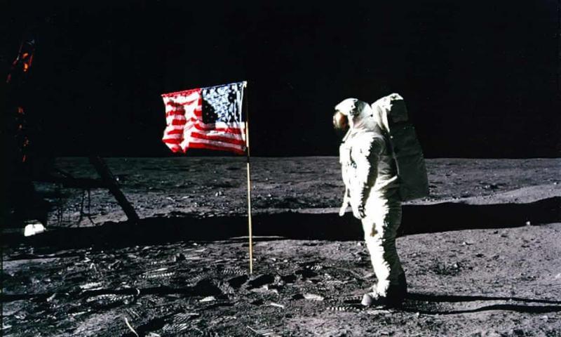 Kako je kupec tovornjaka video trakov z 217 dolarji rešil originalne posnetke prvega pristanka človeka na Luni