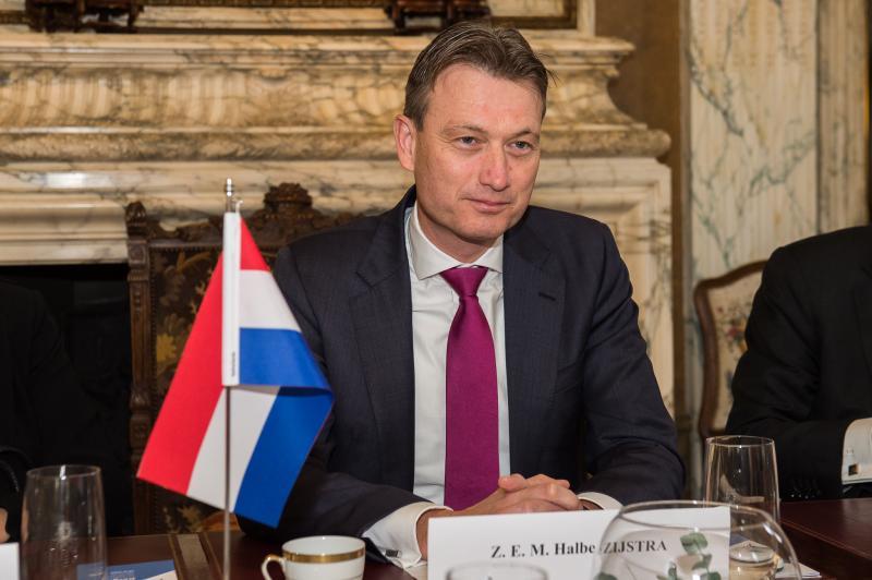 Nizozemski zunanji minister priznal, da je lagal glede Putina