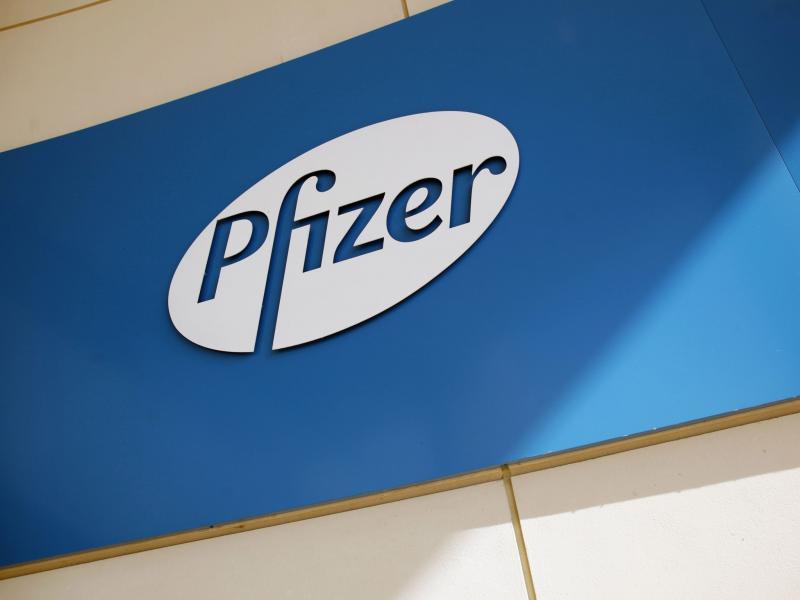 Enota AstraZenece za 1,4 milijarde v roke Pfizerja