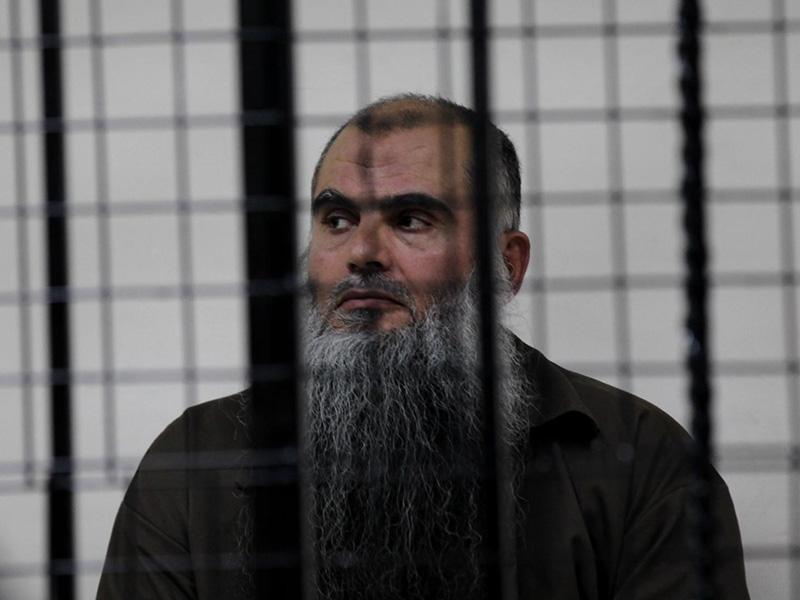 Združeno kraljestvo porabilo 200.000 evrov za nadzor dobrobiti islamističnega pridigarja in drugih – po deportaciji