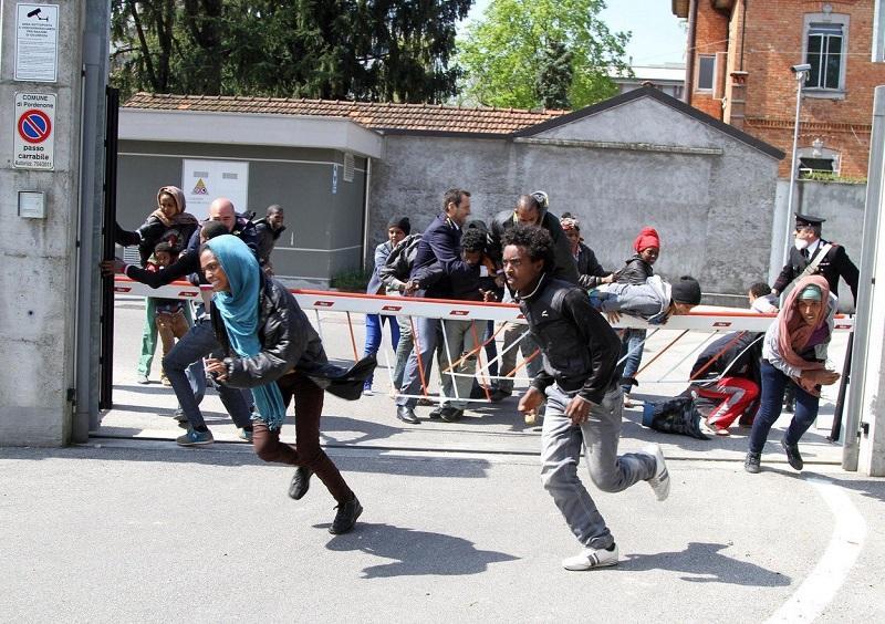 EU z novimi finančnim programi za zaščito in vračanje afriških migrantov