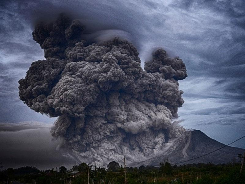Filipinski vulkan z domov pregnal skoraj 40.000 ljudi