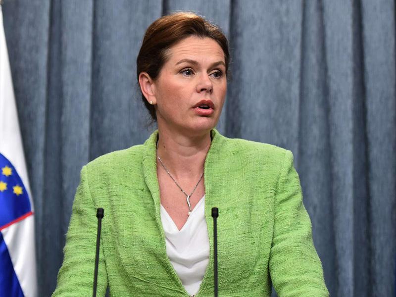 Stranka Alenke Bratušek bo imela v vladi tri »nadministre«