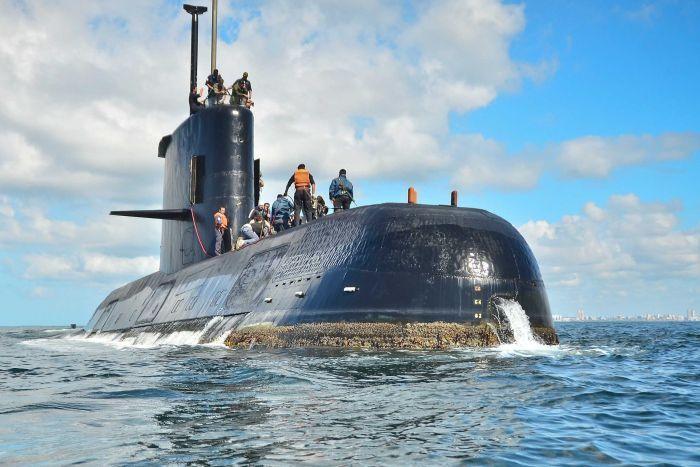 Po nesreči argentinske podmornice odpustili poveljnika mornarice