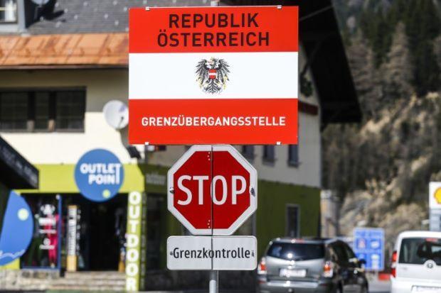 Avstrija gre po poti Italije: avstrijska »krivulja smrti« s tremi tedni zamika sledi najhujši - italijanski