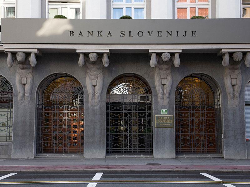Banke v sedmih mesecih s 377 milijonov evrov dobička pred davki