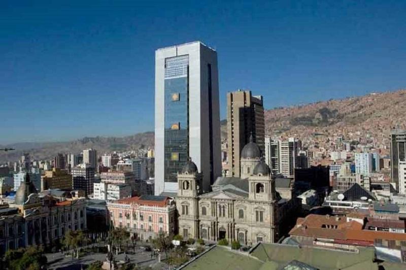 V Boliviji kljub kritikam odprli sporno novo vladno palačo