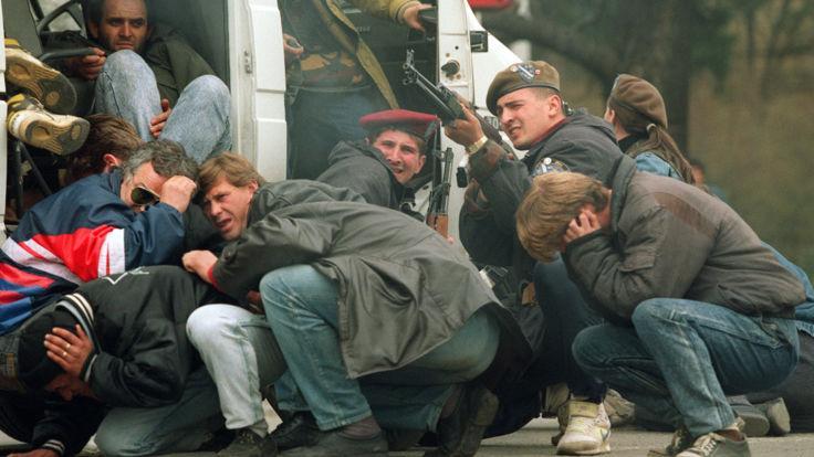 V BiH aretirali generala Dudakovića, domnevno odgovornega za zločine nad srbskimi civilisti