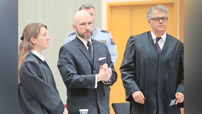 »Danes boste umrli, marksisti!« Breivik neiskreno »obžaluje« pokol in si želi iz svojega stanovanja v zaporu