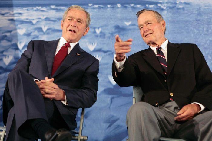 Ob smrti Georga Busha starejšega v ZDA Donald Trump razglasil dan žalovanja