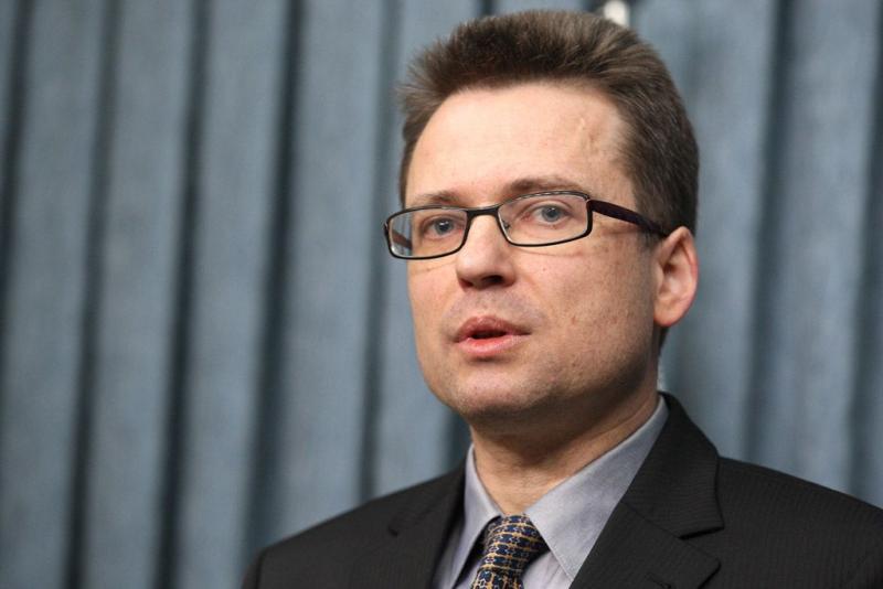 Zvonko Černač: Poslovalnice NLB zapirajo zaradi - Levice