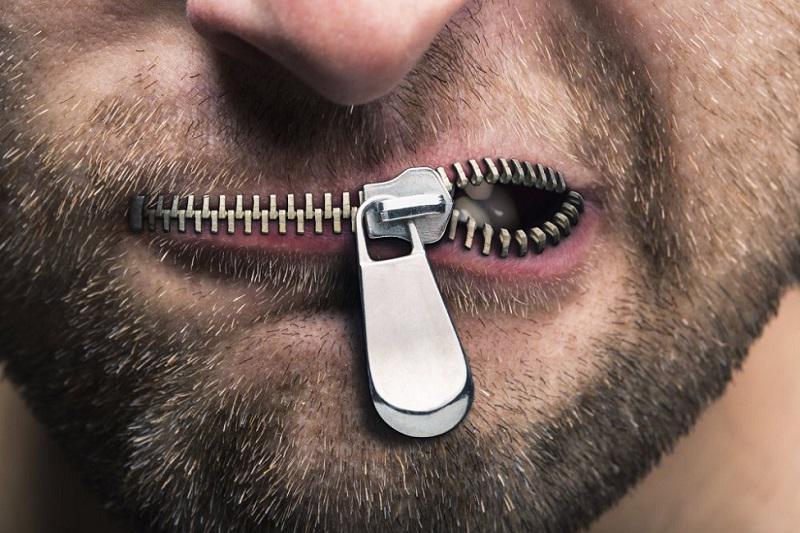 »Ljudje, strokovnjaki, ministri, ki se ne upajo nastopati brez dovoljenja UKOM-a, so ljudje brez integritete«