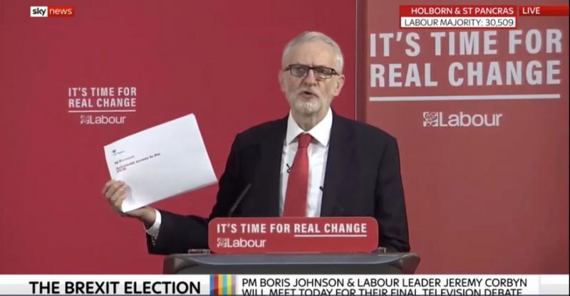 »Johnson zavaja!« Zaupni dokument dokazuje uvedbo carin med Veliko Britanijo in Severno Irsko po brexitu