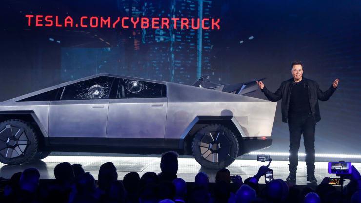 Po predstavitvi novega Teslinega »kibernetskega tovornjaka« delnice Tesle padle za šest odstotkov