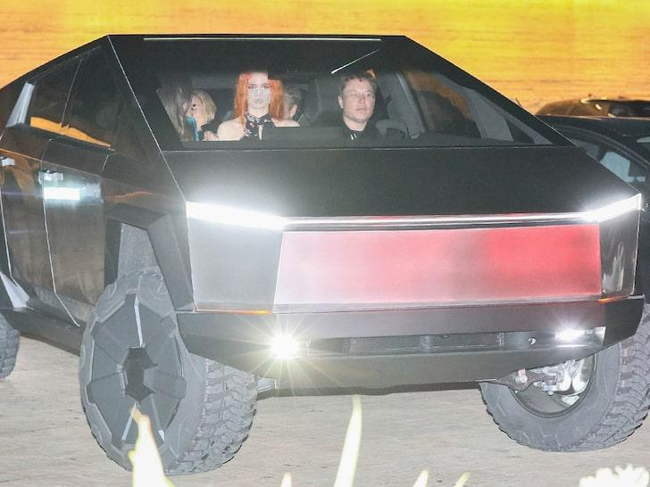 Elon Musk svoj »Cybertruck« preizkusil v praksi, naročajo ga že policije po vsem svetu