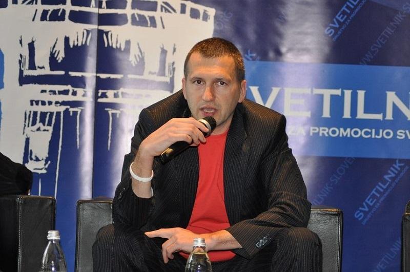 Večernji list: Slovensko skupino za arbitražo vodi vohun, ki kritizira