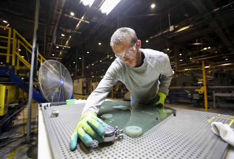 Obrtniki in manjši podjetniki za dvig neto plač in proti dodatnim davkom