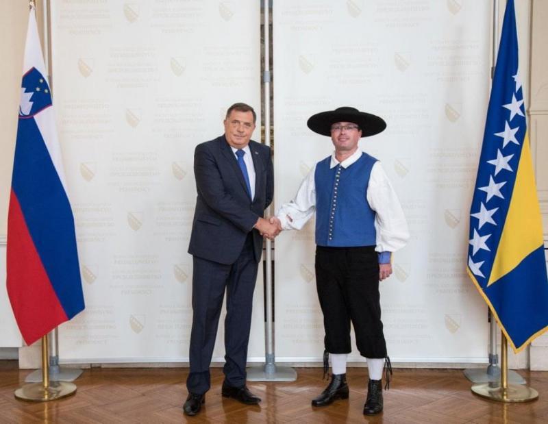 »Slovenci so nam poslali Mehičana za ambasadorja!«