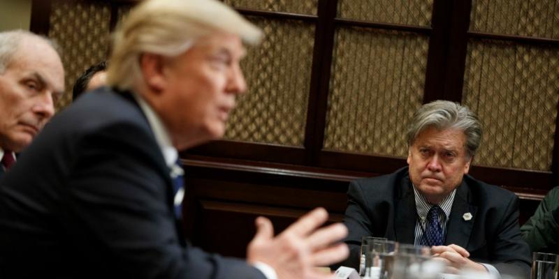 Ločitev Trumpa in Bannona povzročila politični potres na ameriški desnici